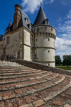 Château de Mesnières by Deen Guldemond / 500px
