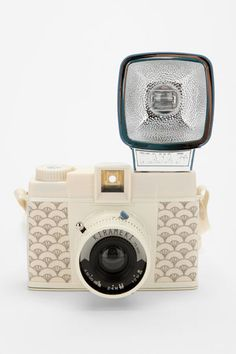 Vintage Camera ritajardon /lomography diana f kirameki camera {via green eyes and lullabyes} - Antique Cameras, Vintage Cameras, Photography Camera, Love Photography, Lomo Camera, Diana, Cute Camera, Camera Shy, Holga