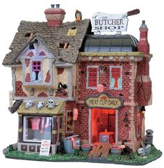 Lemax The Butcher Shop Halloween Train, Halloween Village, Halloween House, Holidays Halloween, Halloween Diy, Halloween Decorations, Happy Halloween, Witches Night Out, Lemax Village