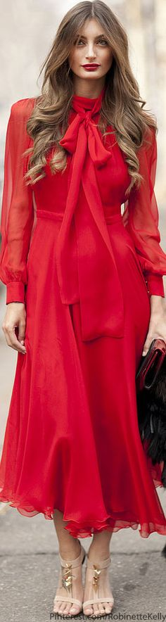 Street Style | Milan Fashion Week  ♡wow what a Italian goddess ♡♡♡♡♡♡♡♡ Beautiful everything and red is my fav colour