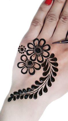 Palm Henna Designs, All Mehndi Design, Mehndi Designs Front Hand, Modern Henna Designs, Latest Henna Designs, Modern Mehndi Designs, Mehndi Designs For Girls, Mehndi Designs For Beginners, Beautiful Henna Designs