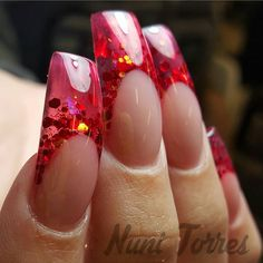 nunis_nails