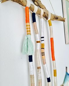 Weaving Projects, Macrame Projects, Craft Projects, Hanging Chair With Stand, Diy Tassel, Textile Prints, Homemade Gifts, Diy Wall, Mobiles