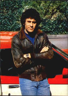 I absolutely LOVED this show and Starsky (Paul Michael Glaser) was my first love!  ♥