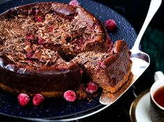 Baked Chocolate and Raspberry Cheesecake Recipe - This baked chocolate and raspberry cheesecake is great for when you're entertaining a crowd
