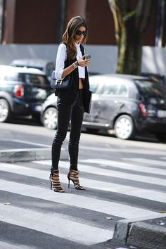 "newyorkalamode: "" fabhouse: "" PFW street style "" Instagram: @isabellavasquezd """