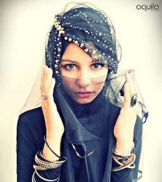 How To Wear Hijab in Different & Modern Styles - HijabiWorld Islamic Fashion, Muslim Fashion, Hijab Fashion, Women's Fashion, Hijab Dress, Hijab Outfit, Muslim Girls, Muslim Women, Hijabs