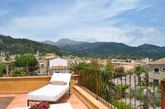 Ses vi til et glas kølig lemonade? Fantastisk landejendom i Mancor de la Vall ved Tramuntana-bjergene på det centrale Mallorca. #mancor #mallorca #tramuntana Læs mere på www.feriebolig-spanien.dk/18511