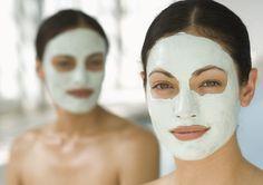 Рецепты масок для омоложения кожи лица каждая женщина хранит по-своему, чтобы ни одному мужчине не было возможно их увидеть. Ведь для них наша вечная юность и красота должны быть чем-то самим собой разумеющимся. Не знаем, где храните свои секреты вы,