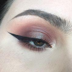 "Lauren on Instagram: ""Product details: @anastasiabeverlyhills Modern Renaissance Palette @wetnwildbeauty Comfort Zone Palette @katvondbeauty Metal Crush…"""
