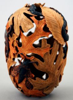 FOREST CRITTERS by Michael Kehs Woodworks Anatomically correct, species specific, wood carving. HELL yes. Look at the scalation on the head of that snake