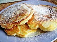 Menu Wędrowca Starego i nie tylko.: Racuchy na kefirze, z jabłkami Always Hungry, Kefir, What To Cook, Cakes And More, Crepes, Pancakes, Food And Drink, Menu, Yummy Food