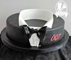 My poor hubby never get a finished cake for his birthday bless him, as I'm usually juggling lots of other cakes at the same time, but this year I've finally managed to fit in making him a cake and decorating it :-) He's a big James Bond fan, so I...
