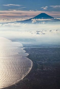The World Heritage, Mt. Fuji, Japan...one day I'll be witnessing its beauty my own! ♡