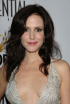 Mary-Louise Parker Photos - Actor/Event Host Mary-Louise Parker attends Los Angeles Confidential Magazine's Pre-Emmy Party at Les Deux on September 2008 in Los Angeles, California. Mary Louise Parker, Top Female Celebrities, Celebs, Hollywood Actresses, Actors & Actresses, Pictures Of Mary, Olivia Taylor Dudley, Jackson, Tall Women