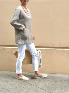 Tunic  'Chloe'  Natural | 100% Linen - Made in Canada Linen Tunic, Natural Linen, Body Shapes, Chloe, The 100, How To Make, How To Wear, Fashion Accessories, Normcore