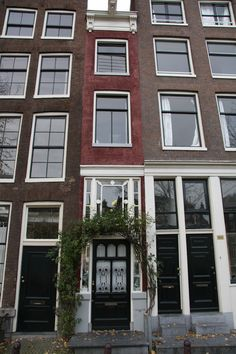 Skinniest house in Amsterdam.