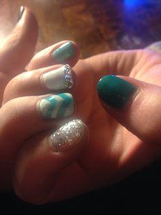 #Chevron #rhinestones #GelNails #glitter #DIY #Gelish #IBD #Bluesky