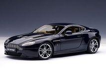 Aston Martin V12 Vantage 2010 1/18 Midnight Blue