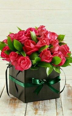 Start shopping now for Anniversary flowers for her. Order flowers for her online today for a same day delivery Altar Flowers, Wedding Flowers, Flower Boxes, My Flower, Beautiful Roses, Beautiful Flowers, Modern Floral Design, Anniversary Flowers, Order Flowers
