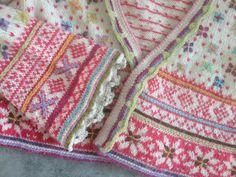 Ravelry: Fritt etter Setesdal pattern by Sidsel J. Fair Isle Knitting Patterns, Knitting Designs, Knit Patterns, Knitting Projects, Norwegian Knitting, Knit Cardigan Pattern, Pattern Library, Winter Colors, Double Knitting