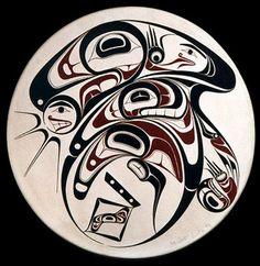 Haida :Raven steals the sun. Oh, look at those juicy additional elements human, raptor, killer whale, bentwood box . Haida Kunst, Haida Art, Arte Tribal, Tribal Art, American Indian Art, Native American Art, Haida Tattoo, Kunst Der Aborigines, Native Tattoos