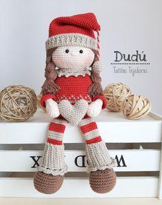 Bella y delicada, asi es nuestra Dudú!, compra el patrón en nuestra tienda de Etsy ♡ Beginner Crochet Tutorial, Crochet For Beginners, Crochet Fairy, Crochet Dolls, Christmas Crochet Patterns, Crochet Blanket Patterns, Amigurumi Toys, Christmas And New Year, Burlap Wreath