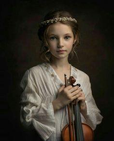 Violin Photography, Figure Photography, Children Photography, Fine Art Photography, Portrait Photography, Photo Competition, Jolie Photo, Creative Portraits, Portrait Inspiration
