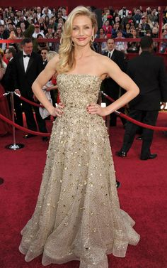 Cameron Diaz in Oscar De La Rento 2010-- She's so funny!