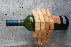 Wine Bottle Holder - Cork Hand Wine Cork Art, Wine Cork Crafts, Wine Bottle Crafts, Wine Corks, Diy Cork, Wine Cork Projects, Champagne Corks, Wine Bottle Holders, Altered Bottles