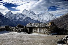 A other sheperd house,on the Everest trek,in the Himalayan range,in Nepal, from Thukla (4 620 m ) to Dingpoche (4 787 m ). In the background, Thamserku,6 608 m.