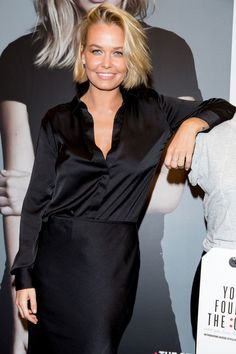 Lara Bingle Photos Photos - Lara Bingle attends the Cotton On launch of 'The One' at Cotton On Sydney City on July 2014 in Sydney, Australia. - Cotton On 'The One' Launch Hair Styles 2016, Short Hair Styles, Lara Bingle, Lara Worthington, Short Blonde Bobs, Long Hair Tips, Blonde Highlights, Great Hair, Hair Day