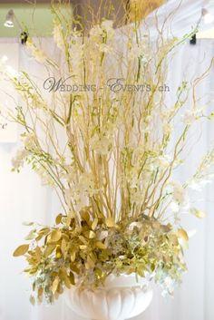 #white #gold #decoration #weddinginspiration #wedding #orchid #floral