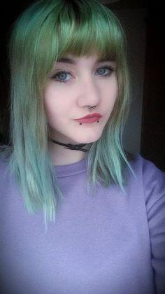 Green hair ♥ Piercing ♥ Septum ♥ Snake bites ♥