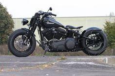Thunderbike Bone Art | Harley-Davidson Cross Bones Umbau