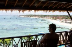 Good morning, Nusa Lembongan. Surf breaks out front.