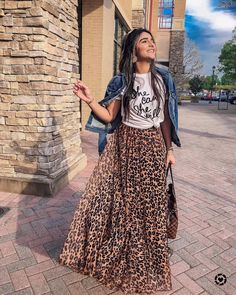 Leopard Maxi Skirts, Leopard Skirt Outfit, Leopard Outfits, Leopard Print Skirt, Maxi Skirt Outfit Summer, Printed Skirt Outfit, Maxi Skirt Outfits, Printed Maxi Skirts, Classy Outfits