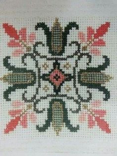 This Pin was discovered by nej Cross Stitch Borders, Cross Stitch Rose, Cross Stitch Flowers, Modern Cross Stitch, Cross Stitch Designs, Cross Stitching, Cross Stitch Embroidery, Embroidery Patterns, Hand Embroidery