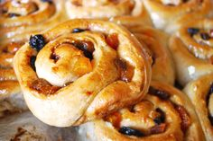 Chelsea Buns | Pass the Cocoa