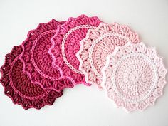 DIY Crochet: DIY Make a Set of Five Ombre Crocheted Coasters