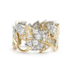 Tiffany & Co. Schlumberger® Four Leaves ring in 18k gold with diamonds.