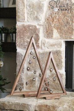 Dejamos de lado la decoración más tradicional para ver nuevas formas de hacer centros de mesa con nuestras propias manos. Nuestro favorito son los arboles de papel, ¿el vuestro?