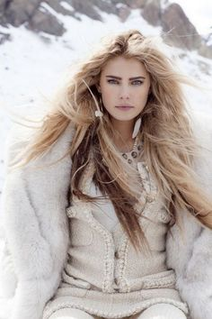 The Millionairess of Pennsylvania / karen cox. It's freezing in PA, time for some skiing and some glam apres ski parties! Ski Fashion, Knitwear Fashion, Womens Fashion, Wild Fashion, Winter Wear, Autumn Winter Fashion, Winter Style, Apres Ski Party, Tori Praver