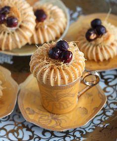 Délices d'Orient: Bird's Nest Cookies - Tubes of dough stuffed with almond