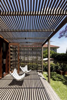 Pergola For Small Backyard Modern Pergola, Outdoor Pergola, Backyard Pergola, Pergola Shade, Patio Roof, Backyard Landscaping, Pergola Lighting, Timber Pergola, Timber Screens
