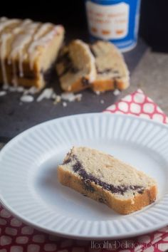 Blueberry-Lavender Coffee Cake with Lemon Glaze | healthy-delicious.com