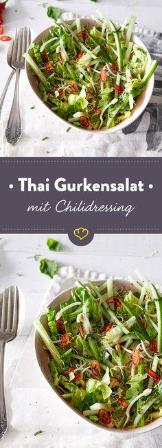 Mal was anderes als die übliche Dill-Leier. Diese exotische Gurkensalat-Variante mit Reisessig, Sprossen und Chili hast du schnell zubereitet. paleo lunch