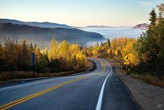 nature_forest_road_mountain_mist_autumn_2048x1367.jpg (2048×1367)