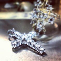 Restyled #ring to #cross #whitegold #diamonds #tw #jewelrydesign #jewelerbench #jeweler #justinwellsjewelry #matrix7 #moodysjewelry #crosspendant