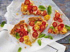 Gluteeniton tomaattijuustopiiras Savoury Baking, Healthy Baking, Pepperoni, Bruschetta, Vegetable Pizza, Pesto, Vegan, Vegetables, Ethnic Recipes